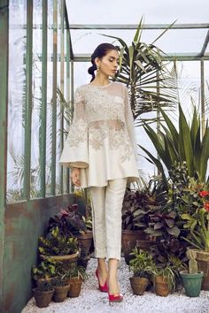 Trendy Ideas For Fashion Dresses Indian Lehenga Choli Pakistani Dress Design, Pakistani Outfits, Indian Outfits, Indian Clothes, Stylish Dresses, Casual Dresses, Fashion Dresses, Party Wear Dresses, Bridal Dresses