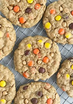 Triple Peanut Butter Monster Cookies - November 30 2018 at - and Inspiration - Yummy Meals - Recipes Ideas - And Kitchen Motivation - Delicious Comfort Foods - Fans Of Food Addiction - Decadent Lifestyle Choices Peanut Butter Chip Cookies, Peanut Butter Oatmeal, Reeses Peanut Butter, Soft Monster Cookies, Cookie Monster, Cookie Desserts, Dessert Recipes, Candy Cookies, Dessert Bars