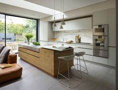 Matt lacquer & rough sawn Oak kitchen from Roundhouse Design