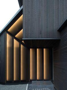63 Best Ideas Exterior Cladding New Zealand Facades Cladding Materials, Cladding Systems, Cedar Cladding, Exterior Cladding, Facade Lighting, Exterior Lighting, Lighting Design, House Paint Color Combination, Roof Panels