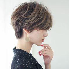 Tomboy Haircut, Short Hair Tomboy, Tomboy Hairstyles, Short Shag Hairstyles, Short Curly Haircuts, Girl Short Hair, Short Hair Cuts, Japanese Short Hair, Asian Short Hair