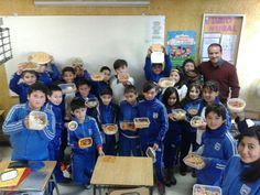 Actividad desarrollada en clases de Historia sobre Sincretismo cultural. Junto con su profesor Alejandro Castro, los estudiantes de 5to año básico, conocen los orígenes de los alimentos y como estos se mezclaron creando un sincretismo. #DarioSalasChillanViejo #Evaluación