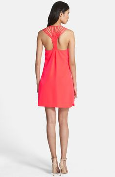 Gorgeous pink twist back shift dress for the weekend!