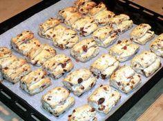 Stollenkonfekt Cake Factory, Time To Eat, Kitchen Gifts, Diy Kitchen, Marzipan, Dessert Recipes, Desserts, Biscotti, Muffin