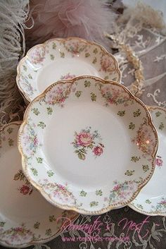 Antique Haviland Limoges china plates Z Vintage China, Vintage Plates, Vintage Tea, Vintage Dinnerware, Antique Dishes, Vintage Dishes, China Plates, Plates And Bowls, Limoges China