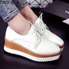 Kode : AWF-370, Nama : Casual Wedges Shoes Putih Coklat, Price : IDR 175