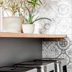 Turgeon project reveal - VALÉRIE DE L'ÉTOILE INTERIOR DESIGNER Decoration, Designinspiration, Homedesign, Shelves, Designer, Oriental, Home Decor, Home Decoration, Home Ideas