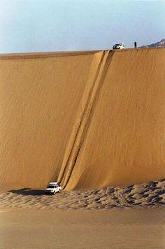 Sand dune off roading Desert Dunes, Dry Desert, Chutes Victoria, Places Around The World, Around The Worlds, Places To Travel, Places To Visit, Africa Travel, Beautiful World