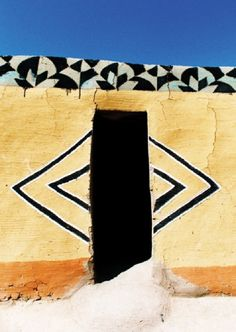 Vernacular Architecture, Art And Architecture, Architecture Details, Ancient Architecture, Out Of Africa, West Africa, South Africa, African Textiles, Art Mural
