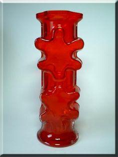 Riihimäen Lasi Oy / Riihimaki red glass 'Kasperi' vase by Erkkitapio Siiroinen, design number 1402