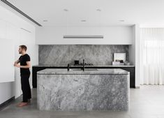 Broad Residence By Baldwin & Bagnall Local Residential Design And Architecture Sydney,nsw Image 4 - The Local Project Modern Kitchen Design, Interior Design Kitchen, Modern Interior Design, Interior Architecture, Home Design, Küchen Design, Global Design, Smart Design, Design Ideas