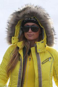 ski et snowboard Elle Macpherson, Winter Wear, Autumn Winter Fashion, Ski Et Snowboard, Snowboarding, Best Parka, Coats For Women, Jackets For Women, Women's Jackets