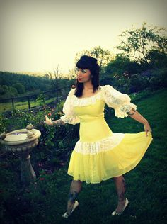 Vintage 50s 60s Yellow Cotton and Ivory Lace Dress by DaintyRascal, $45.00 Dress For You, New Dress, Vintage Dresses For Sale, Lace Skirt, Lace Dress, Cotton Frocks, Vintage Cotton, Floral Lace, Ivory
