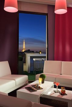 Before going back to the room, let's take a refreshment #Paris #Cocktail