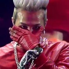 . Woooow😍😍coup de'tat COOOOOL!!!!!👌👌👌😚💪💪💪💪 very awesome !!!! World Tour 2013 _______________________________________ #gdragon#bigbang#vip#kpop#kpoplike4like #jiyongie #jiyong #xxxibgdrgn#kpopking #gdragonconcert #gd #bigbang#vip#gd#jiyong #bigbangvip #motte #bigbangtop #bigbanggd#taeyang#kwonleader#like4like#kwonleader #kwonjiyong#ygfamily#TOP#choiseunghyun#seungri#motteinsg #f4f #actlll #ygstan #yg #bigbang10 #kpopmemes