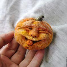 """Купить Валяная брошь """"Тыковка"""" - оранжевый, тыква, рожица, лицо, улыбка…"""