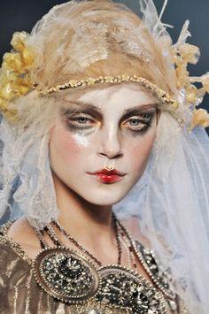 gaptoothbitch: JOHN GALLIANO FW 2009 - her ladyship
