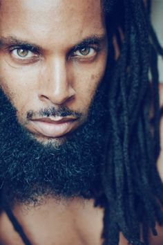 Beautiful black men with grey beard Fine Black Men, Handsome Black Men, Beard Styles For Men, Hair And Beard Styles, Gorgeous Eyes, Black Is Beautiful, Beautiful People, Dreads, Indie