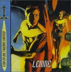 Ce qui est remarquable chez Lenine est qu'il est identifiable dès la première chanson pour un modeste initié (comme moi). Identifiable par sa voix très reconnaissable comme nulle autre dans l'univers mâle de la MPB. Identifiable de part son style assez...
