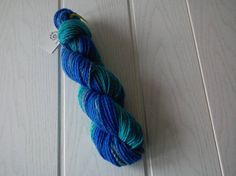 Handspun yarn/Polwarth wool/Mulberry