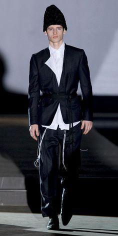 Gunhyo Kim – 2008 Collection , was inspired by Antwerp's Hasidic Jewish community.