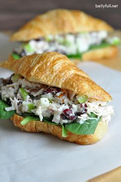 The Best Chicken Salad This is the BEST chicken salad. With chicken, cranberries, apples, and pecans, it's wonderful on its own or as a sandwich! Chicken salad sandwich wiTarragon Chicken SaladChicken Salad with Apple Lunch Recipes, Dinner Recipes, Cooking Recipes, Healthy Recipes, Sandwich Recipes, Delicious Recipes, Salat Sandwich, Soup And Sandwich, Croissant Sandwich