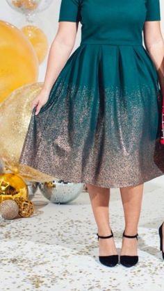LuLaRoe Elegance Elegant Collection Small Green Amelia w/ Gold Unicorn HTF Modest Outfits, Dress Outfits, Dress Up, Cute Outfits, Fashion Outfits, Modest Fashion, Lularoe Amelia Dress, Lularoe Dresses, Lularoe Clothes