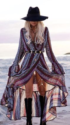 Typical Boho Style dress paired perfectly with jewelry, lace up boots and a fedora. | Our Top 10 Bohemian Chic Outfit Ideas to Copy