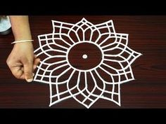 Amazing tricky rangoli designs for beginners - best kolam designs - simple unique muggulu 2018 Hand Quilting Patterns, Sewing Machine Quilting, Modern Quilt Patterns, Machine Quilting Designs, Quilting Projects, Small Rangoli Design, Beautiful Rangoli Designs, Kolam Designs, New Year Rangoli