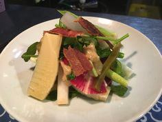 山菜とカリカリベーコンのサラダ