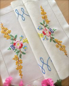 Excited to share this item from my shop: Beautiful Vintage Hand Embroidered Floral Linen Tray Cloth Herb Embroidery, Embroidery Motifs, Modern Embroidery, Floral Embroidery, Beaded Embroidery, Embroidery Designs, Beautiful Flowers Garden, Pink And Green, Elsa
