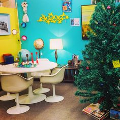 Tis the season to get your retro Christmas decorations and home goods. Rare aluminum Christmas tree & vintage ornaments now in at Nido Vintage Furnishings in the Antique Trove Scottsdale. www.nidovintage.com #retro #vintage #midcentury #midcenturymodern #mcm #nidovintage #nidovintagefurnishings #antiquetrove #scottsdale #phoenix #aluminum #christmas #tree #christmastree #ornaments #giftideas #gifts #giveoriginal #shoplocal #shopsmall #tulip #table #1950s #1960s #1970s #phxmod #modernphoenix