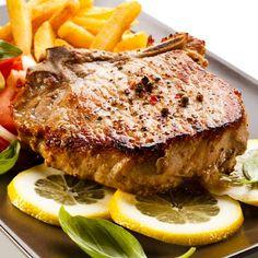 Известные повара часто советуют регулярно делать заготовки впрок. Так, например, легендарный испанец Ферран Адрия рекомендует всегда держать в морозильной камере рыбный, куриный, говяжий бульоны, томатный соус, соусы болоньезе и песто, горошек, шпинат.
