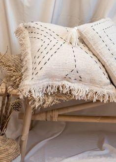 Handmade Organic Cotton Cushion Cover with Fringe Cream Cushion Cover Designs, Handmade Cushion Covers, Handmade Cushions, Diy Pillows, Throw Pillows, Linens And More, Boho Cushions, Cushion Inserts, Boho Diy