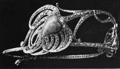 A highly unusual diamond and opal tiara, by Verer, 1900. Designed as a peacock feather.