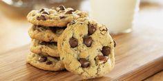Cookies Americani con Gocce di Cioccolato Link ricetta --> http://cucina.robadadonne.it/ricetta/cookies-americani-con-gocce-di-cioccolato/?on=ref