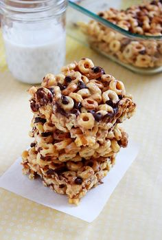 ItBakesMeHappy: Peanut Butter Cheerio Treats....Add protein powder, pb2, and other substitutes to make healthy!