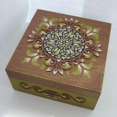 pudełko z mandalą DIY https://www.youtube.com/watch?v=J6hsobZ7TV8