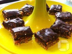 """Karamellu súkkulaði stykki með kaffinu-"""" Raw crunchy caramel slice"""""""