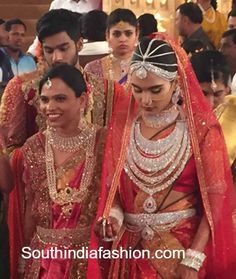17 Crores Bridal Gold Saree of Gali Janardhan Reddy daughter! Indian Jewellery Design, South Indian Jewellery, Jewellery Designs, Indian Jewelry, Jewelry Patterns, Bridal Lehenga, Saree Wedding, Wedding Bride, Wedding Goals