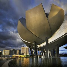 Singapore Art Science Museum - Never been there, but let's give it a try ;) #SGTravelBuddy