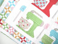 Bee In My Bonnet: New BaKe SaLe Patterns!!!!...For your favorite baker/cook - a quilt with a KitchenAid mixer!
