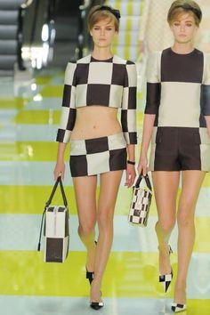 Yannis Vlamos/gorunway.com  print email  look 17  Spring 2013 Ready-to-Wear  Louis Vuitton