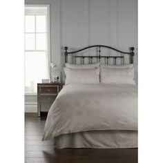 Lenjerii pat Duvet, Bed, Furniture, Home Decor, Down Comforter, Decoration Home, Stream Bed, Room Decor, Home Furnishings