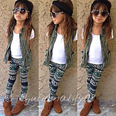 Like the outfit Little Girl Outfits, Cute Outfits For Kids, Little Girl Fashion, Toddler Fashion, Toddler Outfits, Cute Girls, Love Fashion, Kids Fashion, Baby Kind