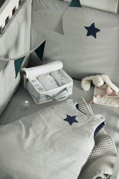 bb tour de lit on pinterest tour de lit bebe and france. Black Bedroom Furniture Sets. Home Design Ideas
