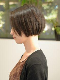 30代 40代 50代に人気!上品な 黒髪 前髪なし ショートボブ 2 Short Hair Cuts, Short Hair Styles, Japanese Short Hair, Growing Out Hair, Pin On, Short Bob Haircuts, Hair Repair, Little Girl Hairstyles, Pixie Haircut