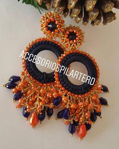 """Diseñadora Julissa Pilarte en Instagram: """"Que les parece #sanfranciscodemacorisrd"""" Diy Crafts Earrings, Diy Earrings Dangle, Earrings Handmade, Jewelry Crafts, Crochet Jewelry Patterns, Bead Embroidery Patterns, Beaded Embroidery, Fabric Jewelry, Beaded Jewelry"""