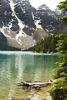 Morraine Lake Canadian Rockies #travel #CR Lovely pace! Been here in july 2011.