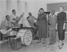 WDIA Radio Broadcast, (from left) Joe Hill Louis, BB King, Ford Nelson, Rufus Thomas, Willa Monroe, Nat D Williams and Starr McKinley, Memphis,TN, early 1950′s